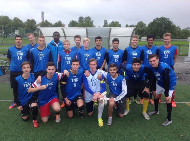 Lukion pojille hopeaa jalkapallossa
