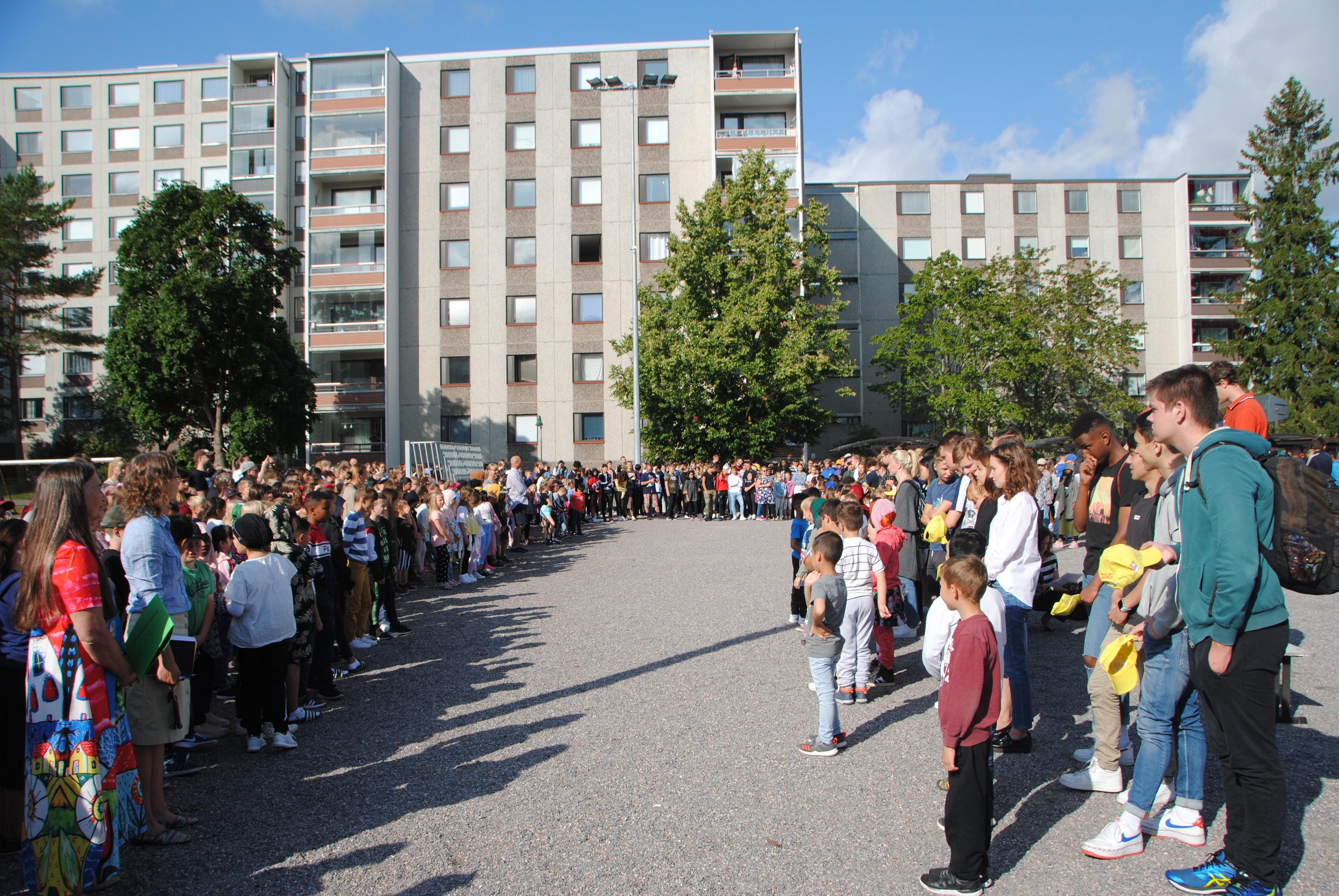 Koulun aloitus 130819 030