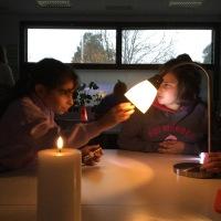 Turun normaalikoulussa tutkittiin valoja ja varjoja MOK- viikolla
